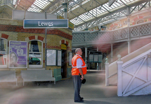 Lewes station, 2009: lower circulating area