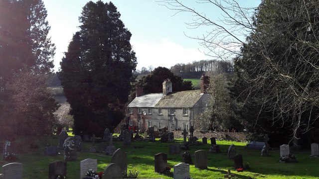 Cottages on the north side of Newland churchyard
