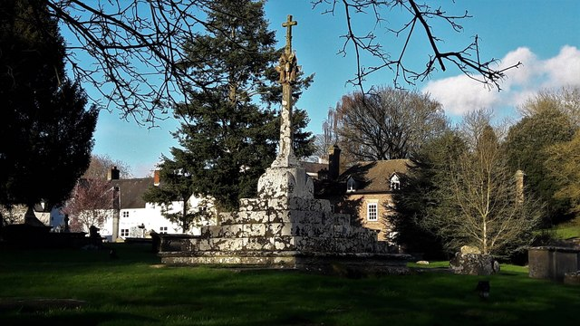 Churchyard cross at Newland