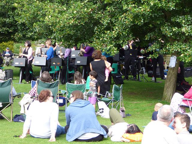 Big band sound, Golden Acre Park