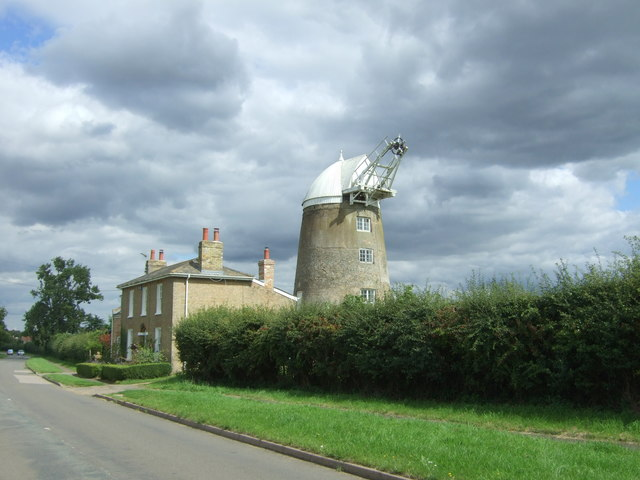 Great Mill Tower and Great Mill House, Haddenham