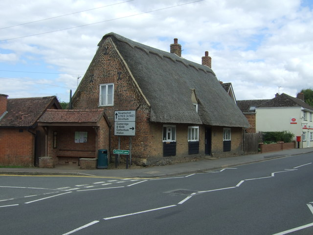 Thatched house on High Street, Wilburton