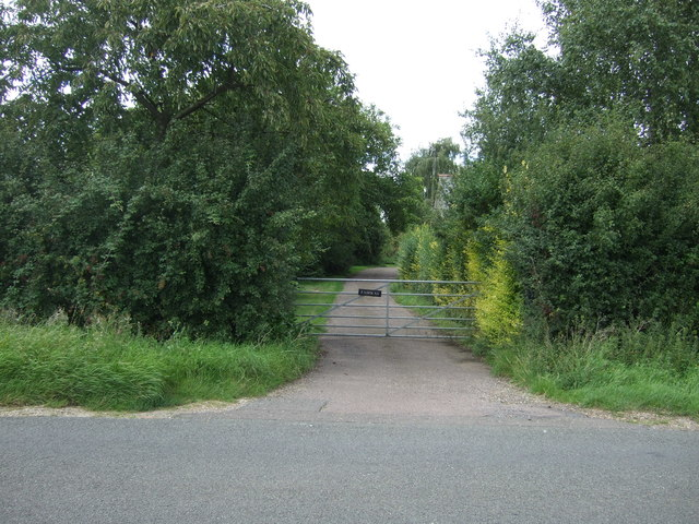 Gated track off Twenty Pence Road (B1049)
