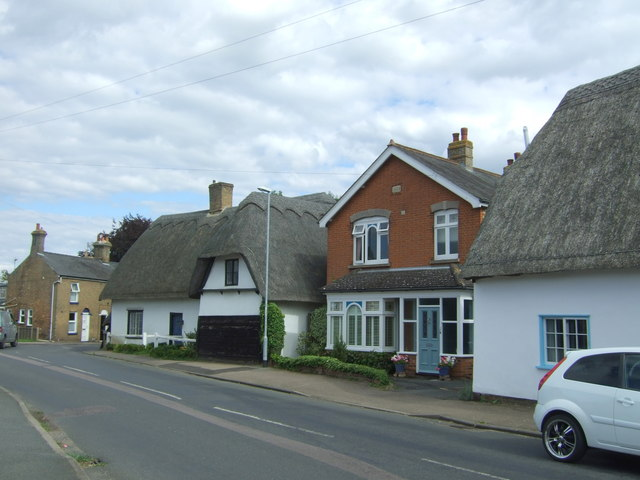Thatched house on Denmark Road, Cottenham