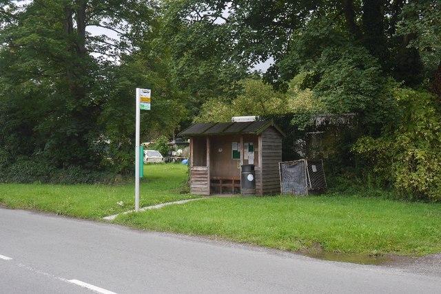 Bus shelter, Bodenham Moor