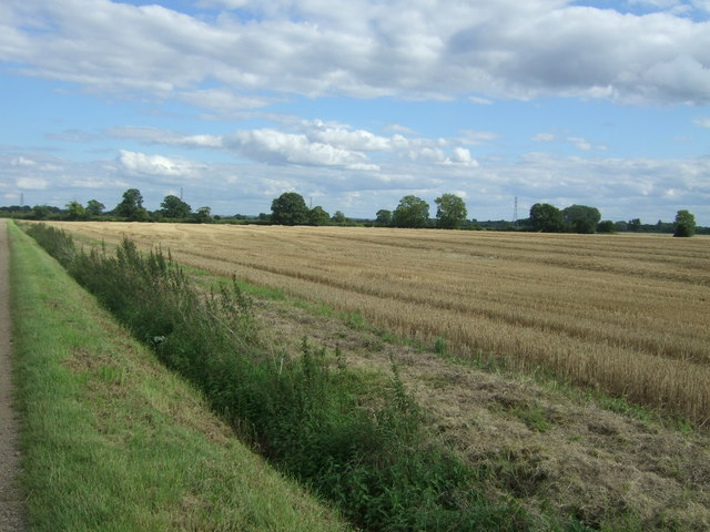 Stubble field of the Harcamlow Way