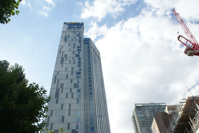 View of Hotel Novotel Canary Wharf from Admirals Way