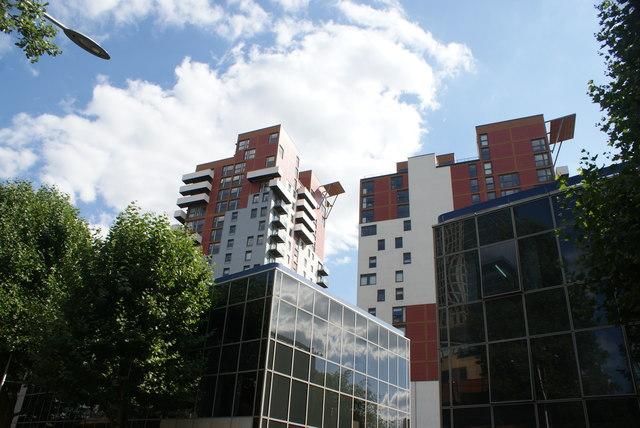 View of blocks and flats behind 56 Marsh Wall from Marsh Wall