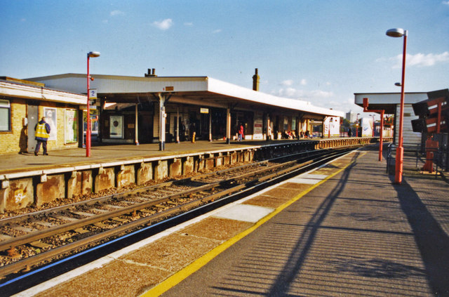 Lewisham main station, 2001: SE on the Mid-Kent lines