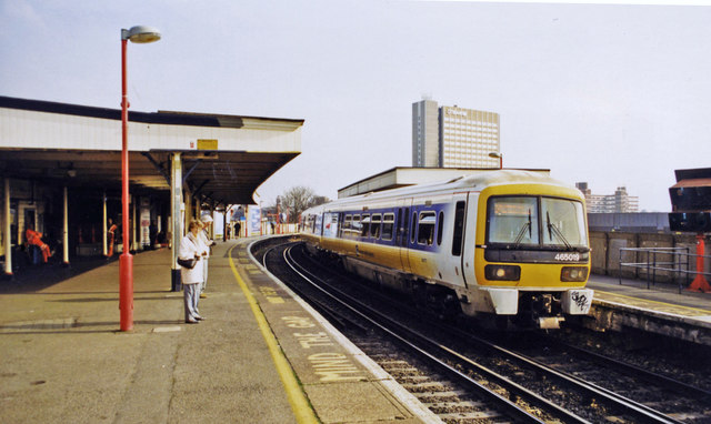 Lewisham, Mid-Kent lines with Up train, 2000