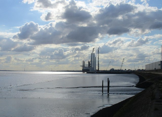 The River Humber and the Siemens wind turbine factory