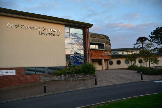 The Mumbles : Ysgol Gynradd Gymraeg Llwynderw
