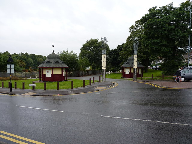 At the SE entrance to Brookvale Park