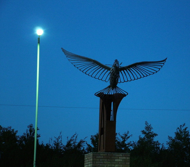 Roundabout sculpture, airfield memorial