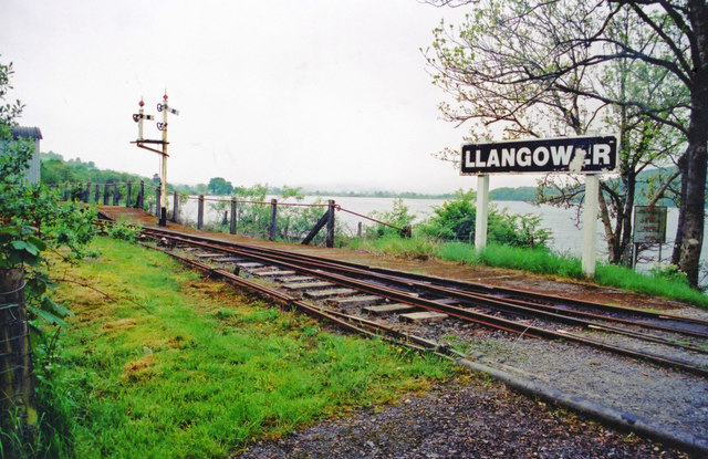 Llangower station, 2001