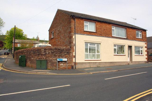 House at Fell Lane / Brent Road junction