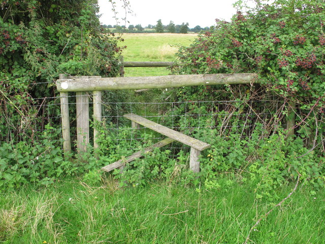 Stile on public footpath into New Park, Thame