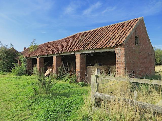 Farm building, Garton