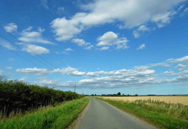 Farmland near Old Woodhall