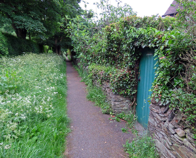Footpath by Forest Lodge