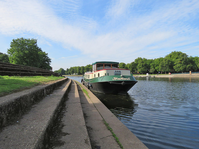 Moored by Trent Bridge