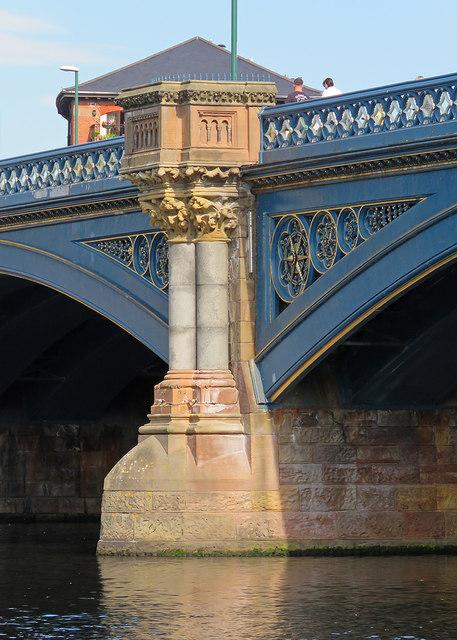 Walking over Trent Bridge