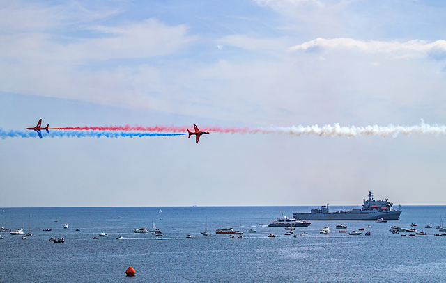 Bournemouth Air Festival 2017 - Red Arrows Synchro Pair