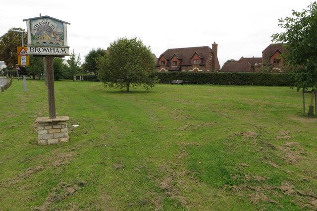 Bromham village green