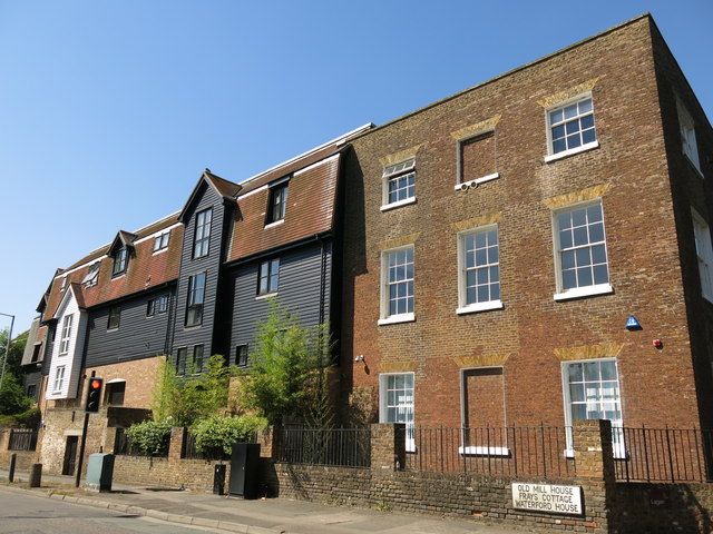 Old Mill House and Waterford House, Thorney Mill Lane