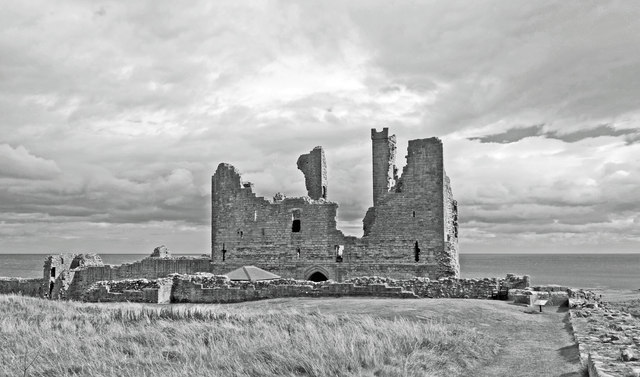Dunstanburgh Castle, North Wall