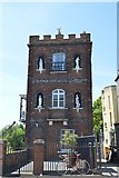 SP5105 : Folly House by N Chadwick