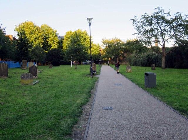 Footpath through Garratt Lane Old Burial Ground