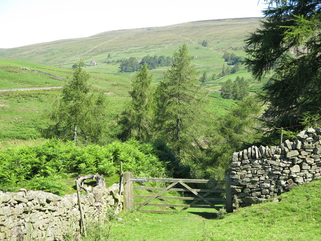 The valley of Hudeshope Beck north of Skears