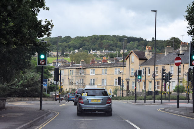 Traffic lights at end of Rossiter Road