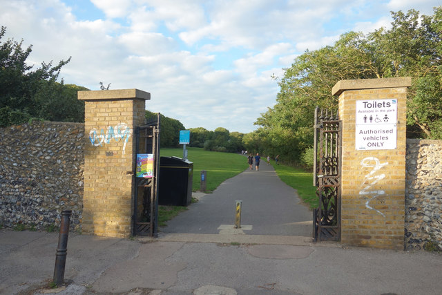 King George VI Memorial Park Gates