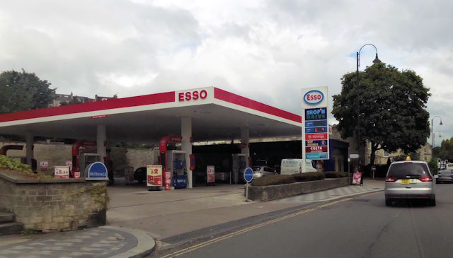 Esso garage on London Road