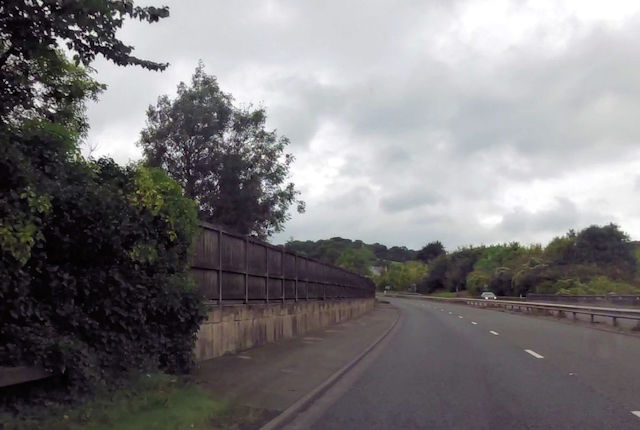 Start of fencing along A46