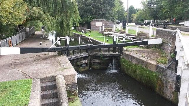 Batchworth Lock into River Chess