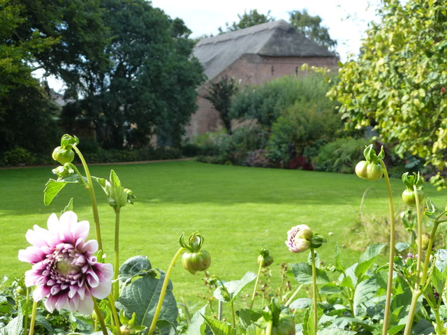 Lawn and barn at Peckover House, Wisbech
