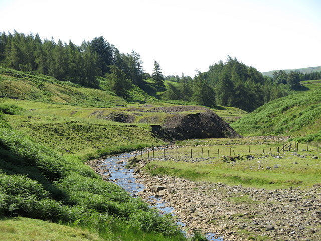 The valley of Hudeshope Beck by the Skears Hushes (2)