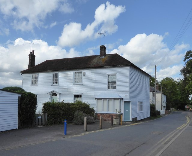 Hawkhurst: Weald House, Ockley Road