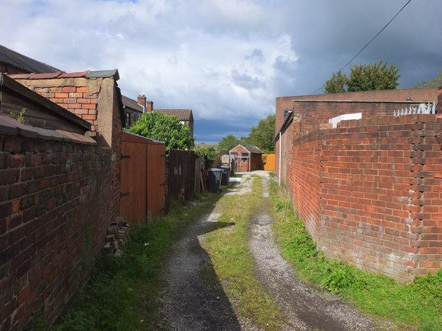 Alleyway off Cross Lane, Billinge