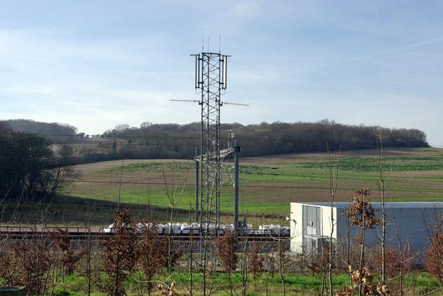 Railway telecommunications mast