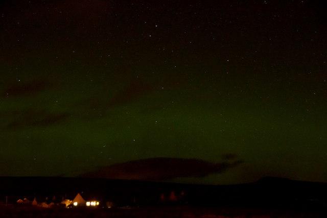 Aurora borealis over Ronan, Halligarth