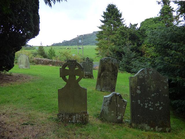 St Edmund, Marske - churchyard