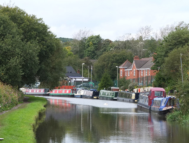Leeds - Liverpool Canal at Heron's Wharf, Appley Bridge