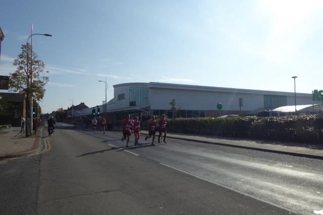 Runners on Hessle Road