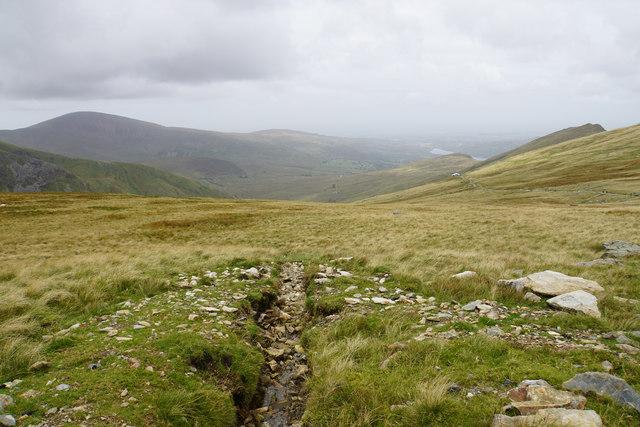 Drainage channel below Clogwyn