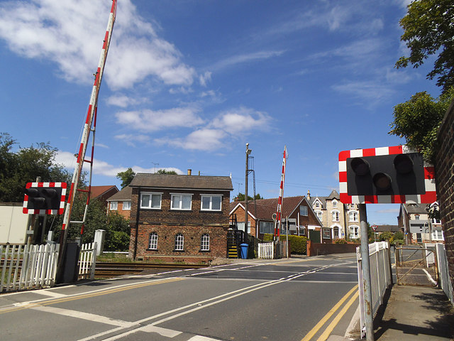 Skerne Road level crossing and signal box, Driffield