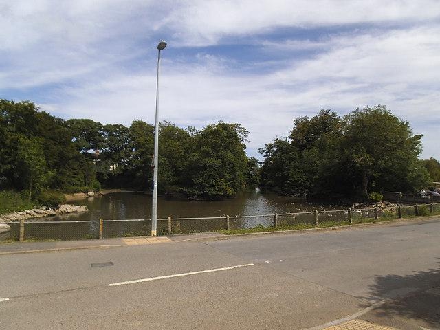 Burton Agnes village pond